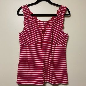 Lg red and white stripe sleeveless top.